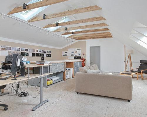 Moderne arbeitszimmer mit sperrholzboden ideen design for Arbeitszimmer wandfarbe