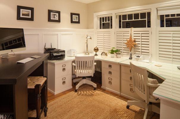 Traditional Home Office by Reid Developments Ltd