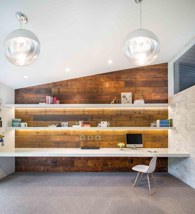Midcentury Home Office by Vanillawood