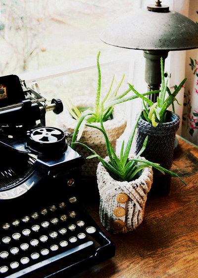 Retro Home Office & Library by Lola Nova
