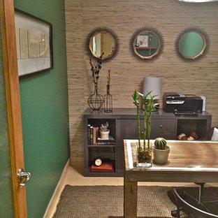 シアトルのアジアンスタイルのおしゃれなホームオフィス・仕事部屋の写真