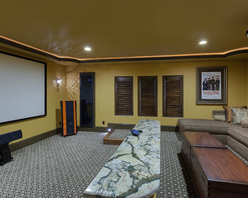 mediterranes heimkino mit gelber wandfarbe ideen design. Black Bedroom Furniture Sets. Home Design Ideas