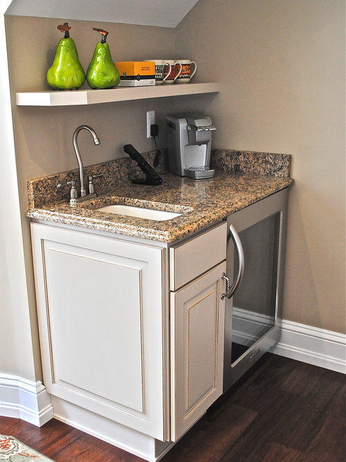 Small wet bar houzz for Kitchen with mini bar design