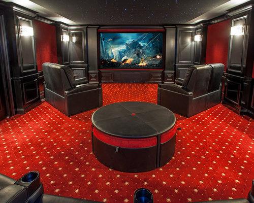 salle de cin ma avec un mur rouge photos et id es d co de salles de cin ma. Black Bedroom Furniture Sets. Home Design Ideas