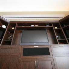 Modern Home Theater by The Corner Woodshop / L'Atelier du Coin
