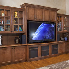 Home Theater by Valet Custom Cabinets & Closets
