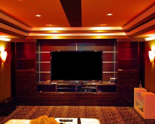 salle de cin ma moderne avec un mur rouge photos et id es d co de salles de cin ma. Black Bedroom Furniture Sets. Home Design Ideas