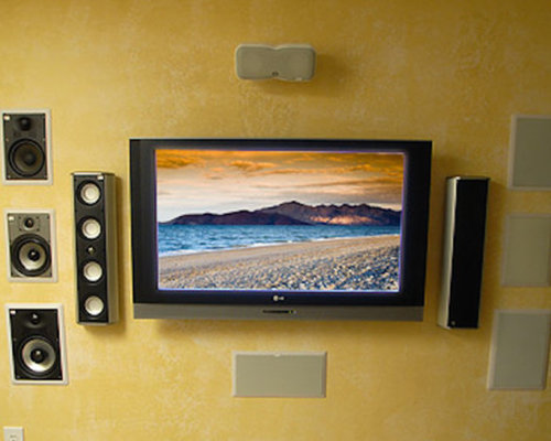 75 Columbus Home Theater with a Wall-Mounted TV Design Ideas ...