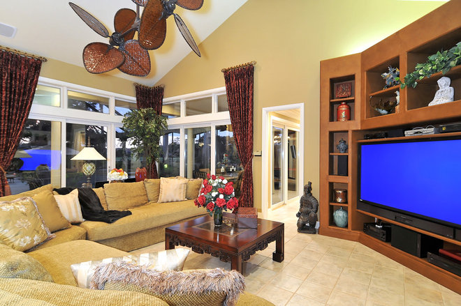 Tropical Home Theater by Bella Luna Services, Inc.
