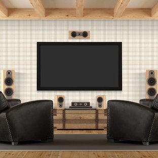 Shabby-Style Heimkino mit beiger Wandfarbe, hellem Holzboden, Wand-TV und braunem Boden in Wilmington