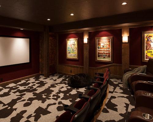 salle de cin ma montagne avec un cran de projection photos et id es d co de salles de cin ma. Black Bedroom Furniture Sets. Home Design Ideas