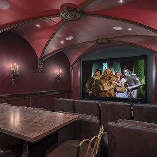 Cette photo montre une salle de cinéma victorienne.