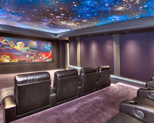foto e idee per home theatre home theatre con pareti viola. Black Bedroom Furniture Sets. Home Design Ideas