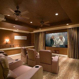 Foto di un home theatre shabby-chic style