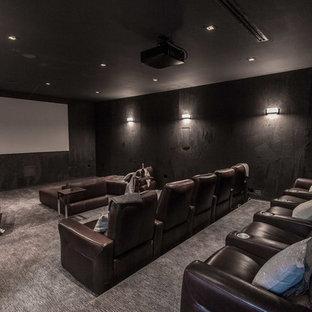 Esempio di un home theatre minimalista