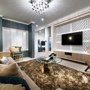 Mittelgroßes, Offenes Modernes Heimkino mit blauer Wandfarbe, Backsteinboden und Wand-TV in Perth
