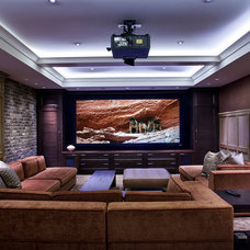 Traditional Home Theater by Teragon Developments & Construction Inc.