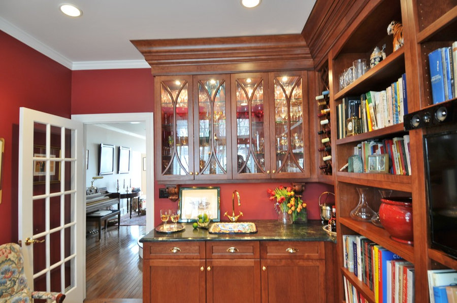 Wetbar with Cherry Cabinets
