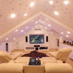 modern media room by Elytronic