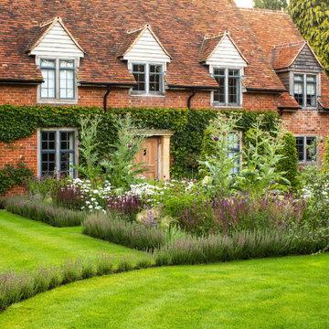 Arts & Crafts Garden near Henley on Thames