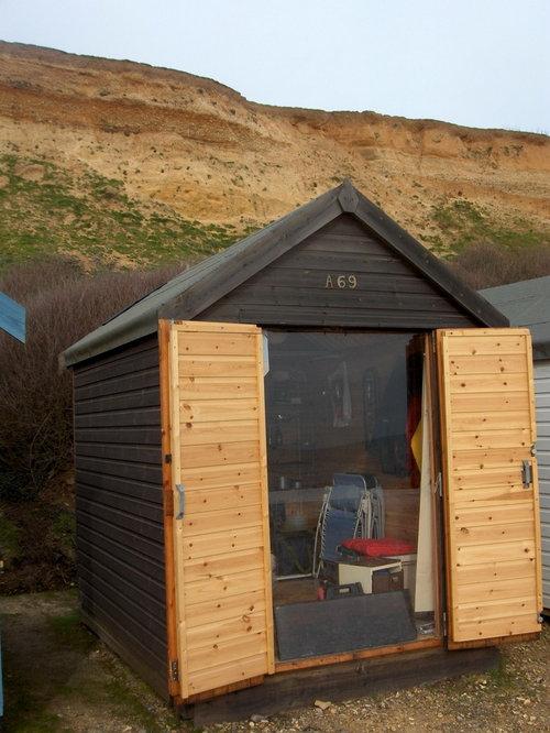 Beach hut home design ideas renovations photos for Beach hut design ideas
