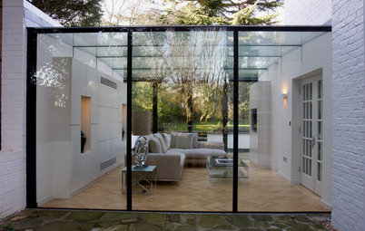 Decorating: 10 Ways to Incorporate Glass Into Your Home