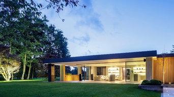 Contemporary Family Home with Sky-Frame