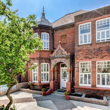 Detached Victorian Double Fronted House in Brighton - Estate Agency