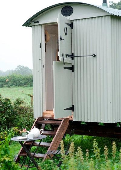Farmhouse Exterior by Designerpaint