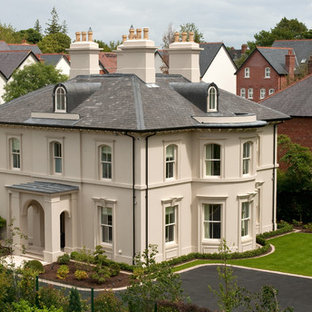Elegantly proportioned city house nestled into a Conservation Area