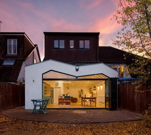 Scandinavian Exterior by Iguana Architects
