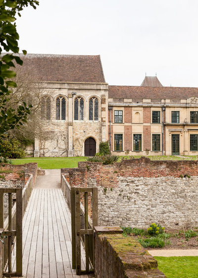 how to get to eltham palace