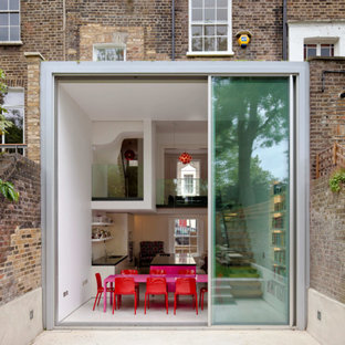 Design ideas for an exterior in London with a flat roof.
