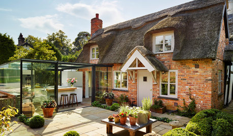 Kitchen of the Week: A Cottage is Enhanced by an All-glass Extension