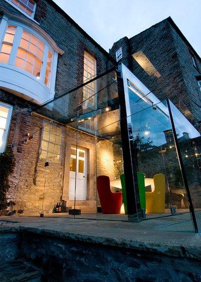Modern Exterior by Jeff Kahane + Associates