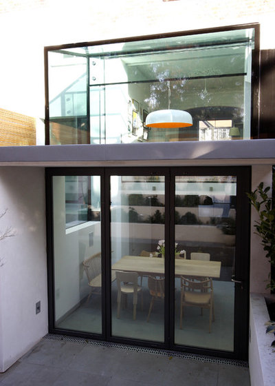 Contemporary outside by IQ Glass UK