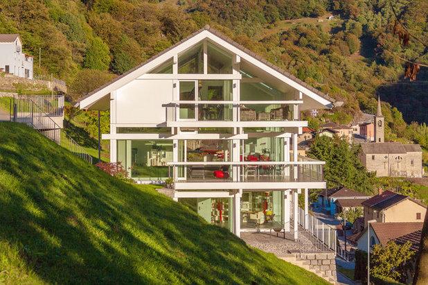 Modern Häuser by HUF HAUS Southern Switzerland & Italy