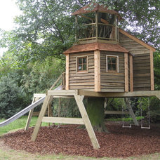 Traditional Exterior by High Life Treehouses