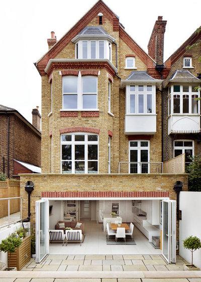 Klassisch Häuser by Dyer Grimes Architecture