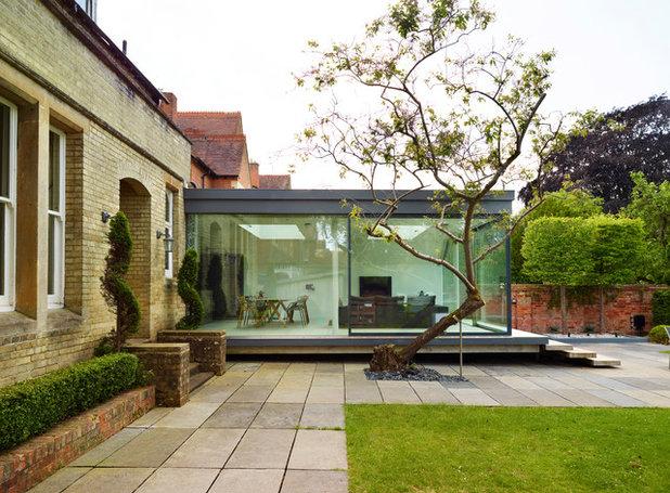 Moderno Facciata by Kitchen Architecture