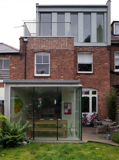 Contemporary Exterior by Mailen Design
