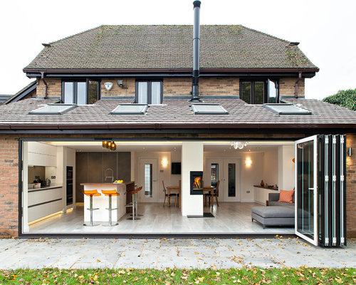 mittelgro es skandinavisches haus und fassade ideen f r die fassadengestaltung houzz. Black Bedroom Furniture Sets. Home Design Ideas