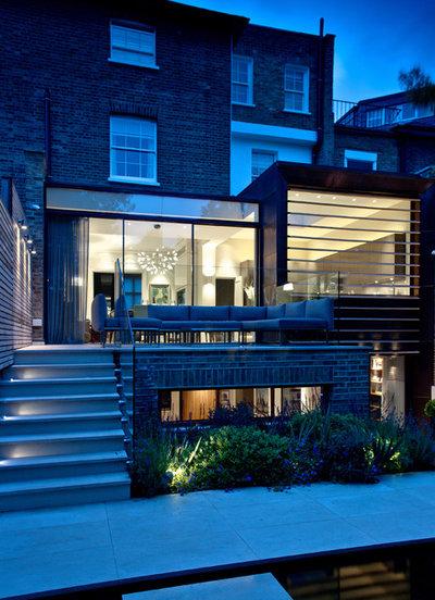 Contemporary Exterior by Harriet Forde Design Ltd