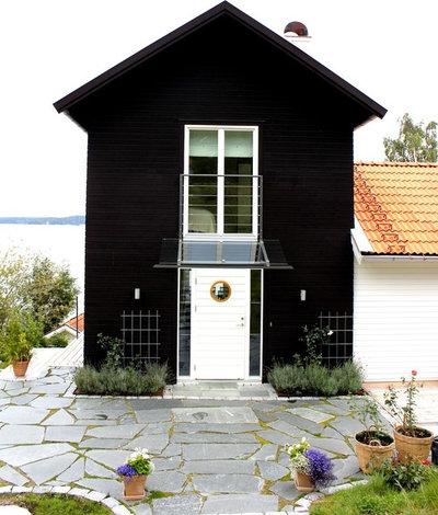 Scandinavian Exterior by Kristian Lindgren Arkitektkontor