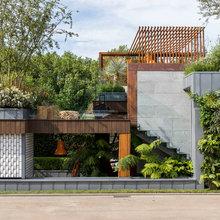 A Sociable Urban Garden With Imaginative Plantings