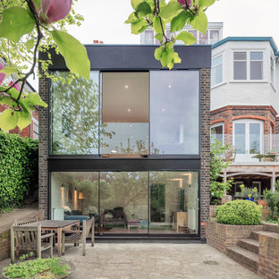 Large contemporary exterior in London.