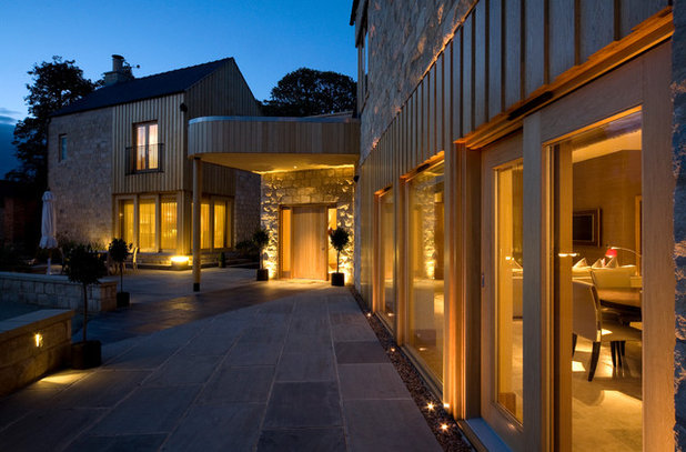 Modern Exterior by Brilliant Lighting