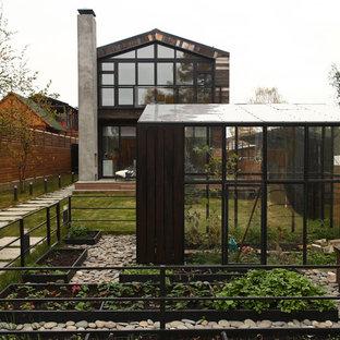 Kleines Modernes Gewächshaus in Moskau