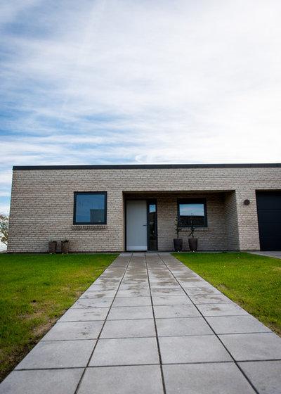 Skandinavisk Hus & facade by H.D. Byg Ejstrupholm ApS