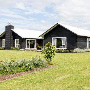 Contemporary Omaga Flats House